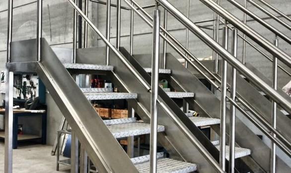 Escalera aluminio 3